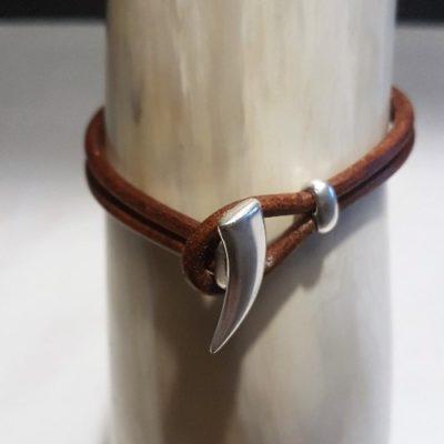 Læderarmbånd med horn - Forn Sidr Handelsplads