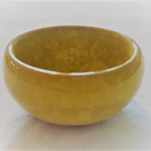 Gul lille keramikskål med krakeleret glasur - Forn Sidr